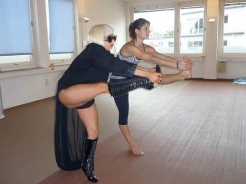 Lady Gaga yoga-yoga-stars