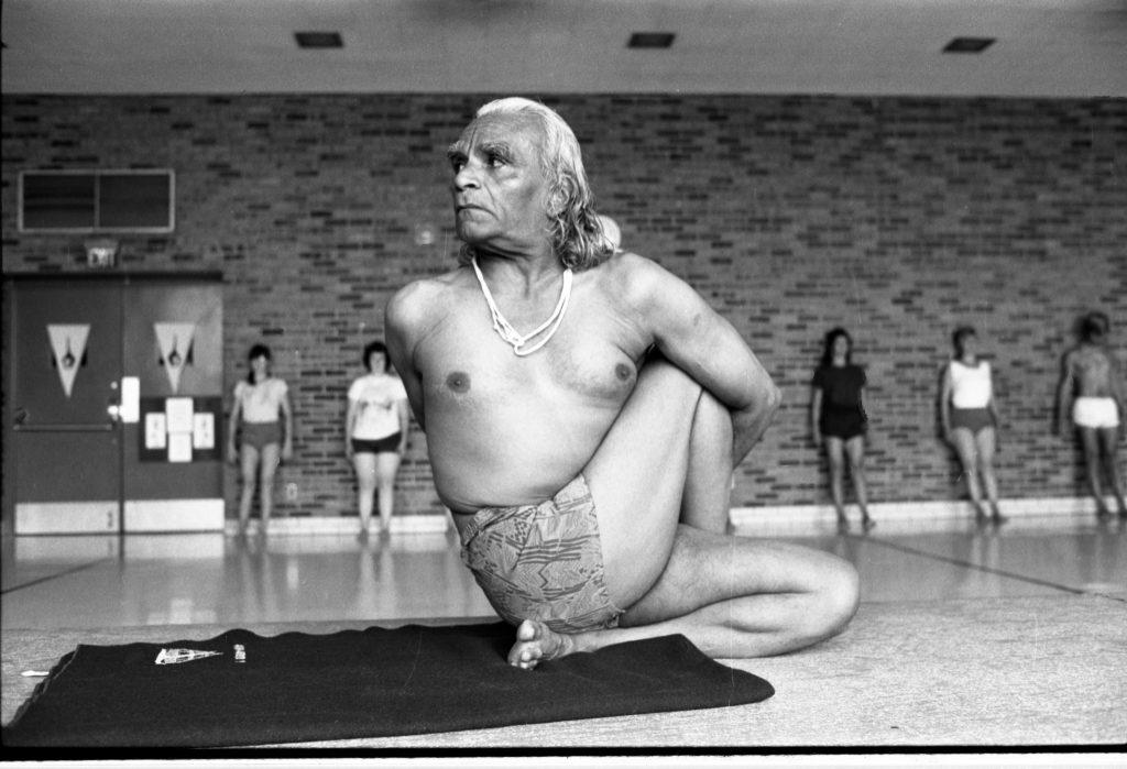 Iyengar, démonstration de yoga