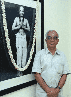 TKV Desikachar et son père Krishnamacharya en photo