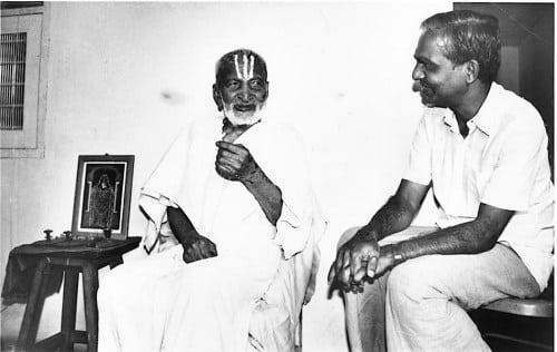 TKV Desikachar, fondateur du Viniyoga, et son père Krishnamacharya