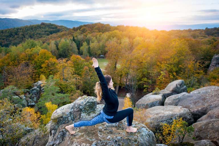 virabhadrasana-1-posture-du-guerrier-posture-yoga